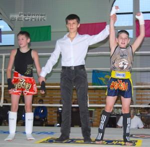 Пераможца турніру Мікіта Сярак (Чэрвень) (справа)