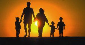 Единовременная материальная помощь к учебному году семьям, воспитывающим троих и более детей