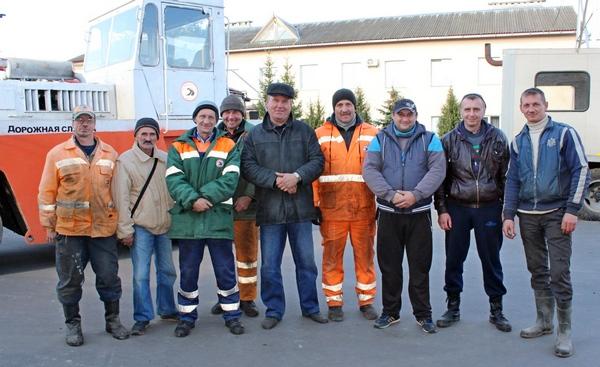 Профессиональный праздник и юбилей отметило ДРСУ-121